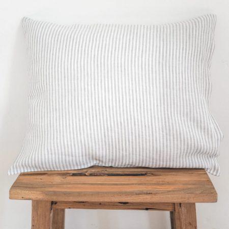 Leinen Kissenbezüge - Klassisch mit Bügelfalte - gray stripes